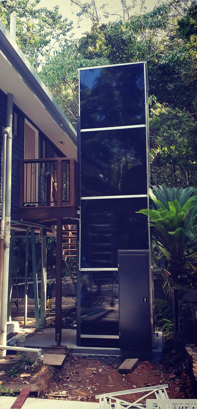 Auso services new outdoor lift